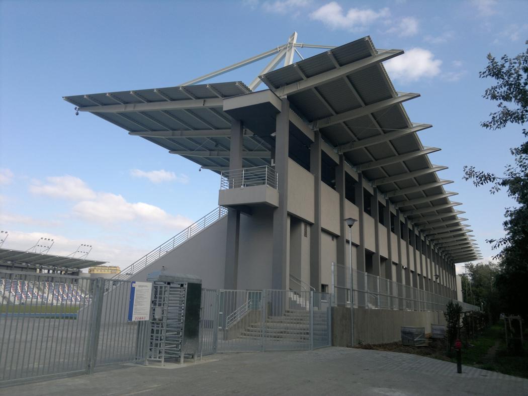 : Stadion lekkoatletyczny w Radomiu (MOSIR, ul Narutowicza)