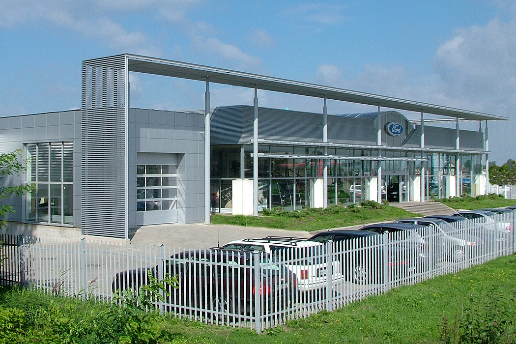 : Salon Forda w Radomiu